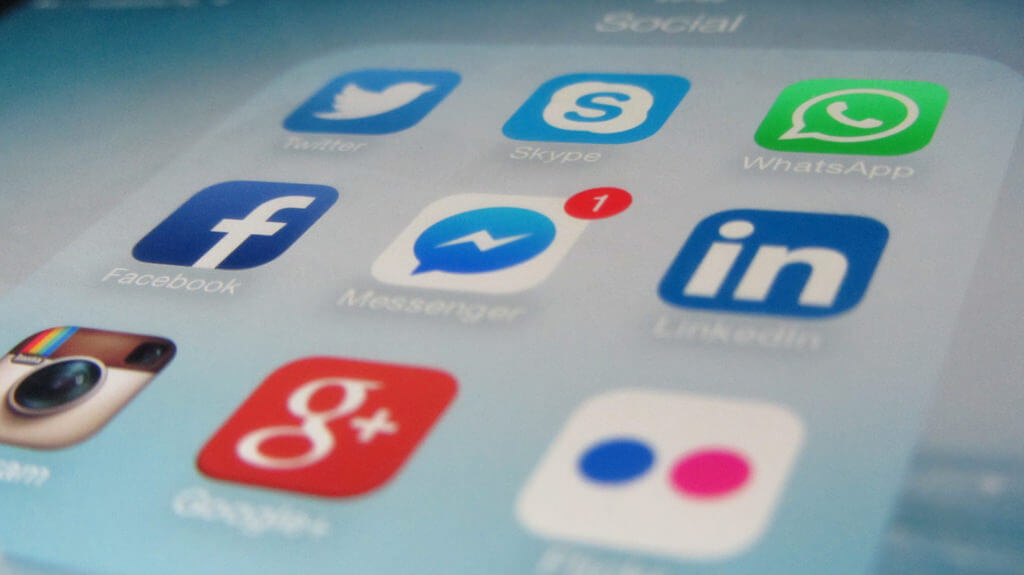 agence medias sociaux paris